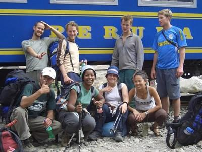 Alumni who volunteered in the Sacred Valley of Peru on their way to Machu Picchu