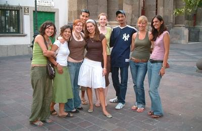 Volunteers and interns form a group of friends in Mexico with Projects Abroad