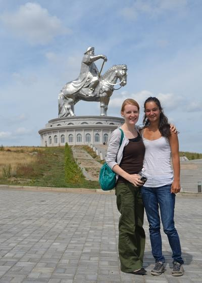Volunteers travel to local tourist attractions during their volunteer project in Asia with Projects Abroad