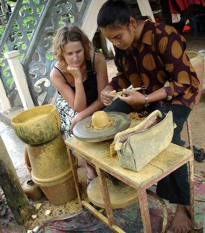 Volunteer on the Culture & Community project observes local ceramic art in Southeast Asia