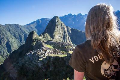 A volunteer living and working in Peru visits Machu Picchu during her volunteer travels