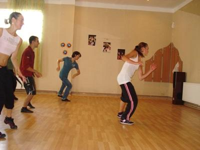 Volunteer Romania Teaching a Dance Class on the Performing Arts Project
