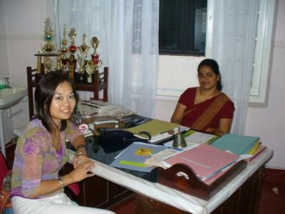 Volunteer with local staff on her midwifery elective placement in Sri Lanka