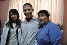 A Nursing School Elective volunteer in Peru with her supervisors at her placement.