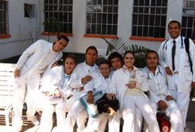 Physical Therapy Students on their elective in Mexico take a photo.