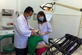 Dentistry elective student learns from her supervisor while volunteering abroad.
