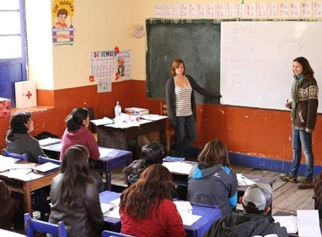 Projects Abroad Teaching volunteers help local teachers improve their skills in Peru.