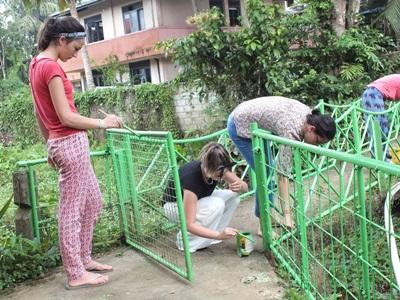Care & Community in Sri Lanka volunteers help with renovation at their placement.