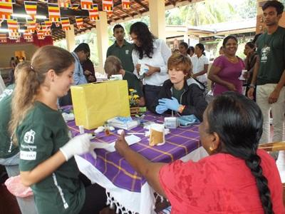A volunteer on the Sri Lanka Medicine High School Special project.