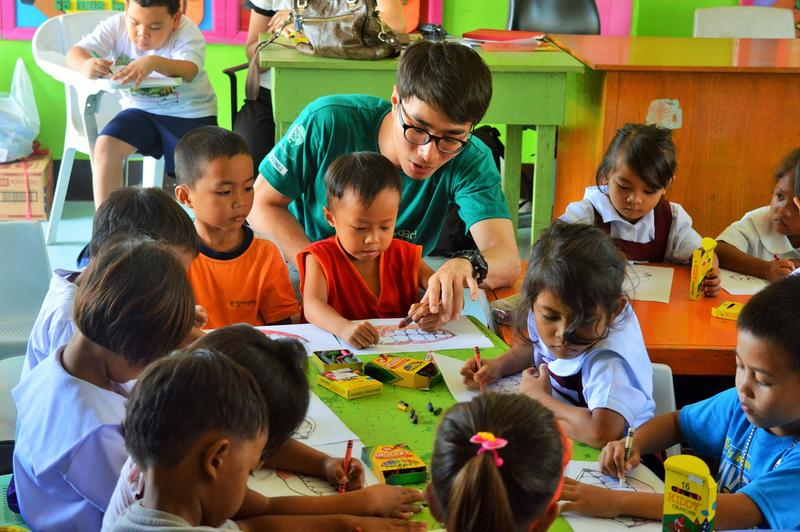 care community volunteering in the philippines for teens