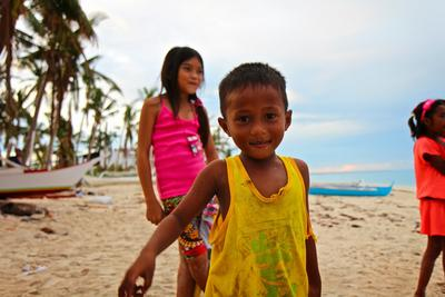 Interact with locals in the Philippines during the Physical Therapy High School Special volunteer project