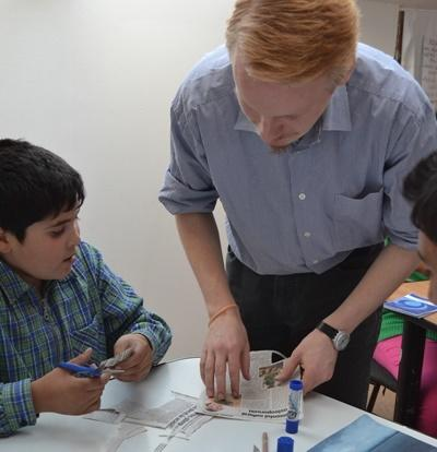 Projects Abroad Social Work intern works with Romanian children at a care facility in Eastern Europe.