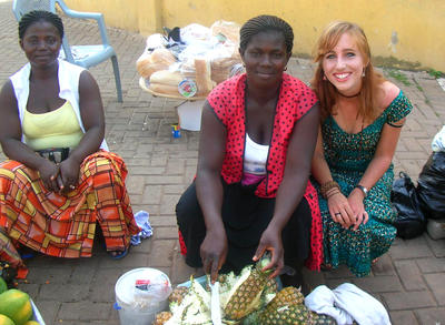 Volunteers immerse in local culture in Ghana