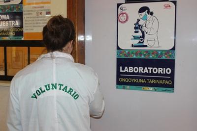 A Projects Abroad Medicine intern at a hospital in Peru, South America.