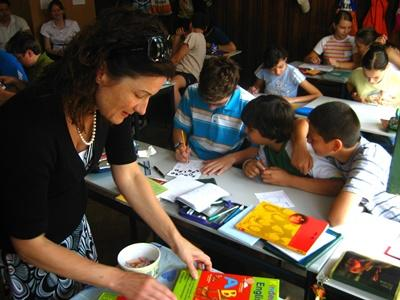 Art Therapist Volunteer working with children in Romania