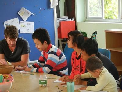 Professional psychology volunteer working with children in Vietnam