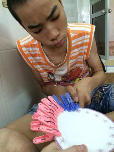 A Vietnamese boy receives speech therapy treatment in Vietnam
