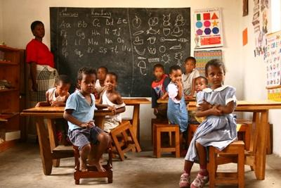 Teaching French to young children in schools in Tanzania