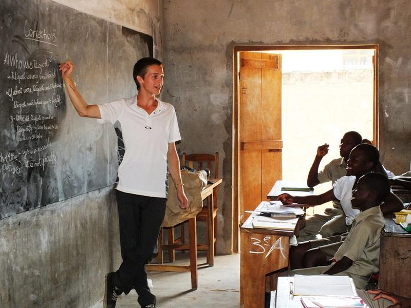 Should I be an elementary teacher or a high school English teacher?
