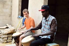 Volunteer Abroad in the Creative & Performing Arts